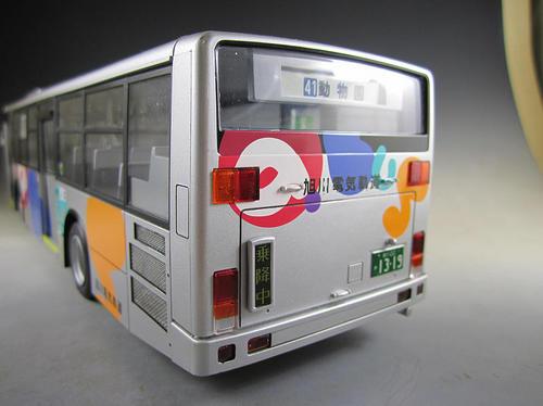 a_bus_054.jpg
